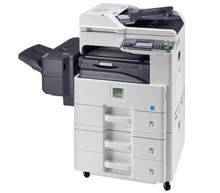 Ремонт МФУ Kyocera FS-6530MFP Очистка роликов механизма подачи бумаги из лотка